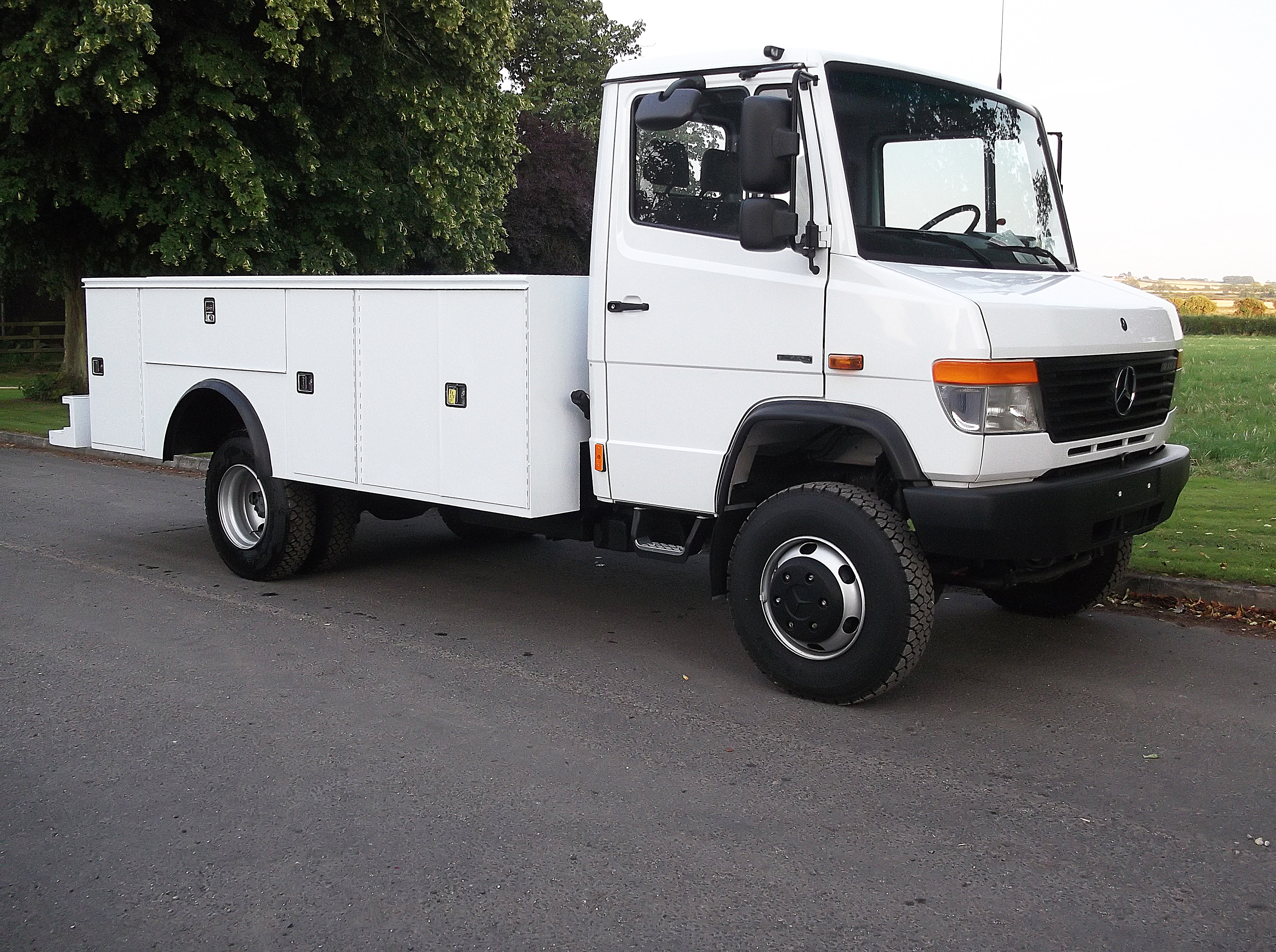 5 ton trucks for compliance autos post for Mercedes benz vario 4x4 for sale